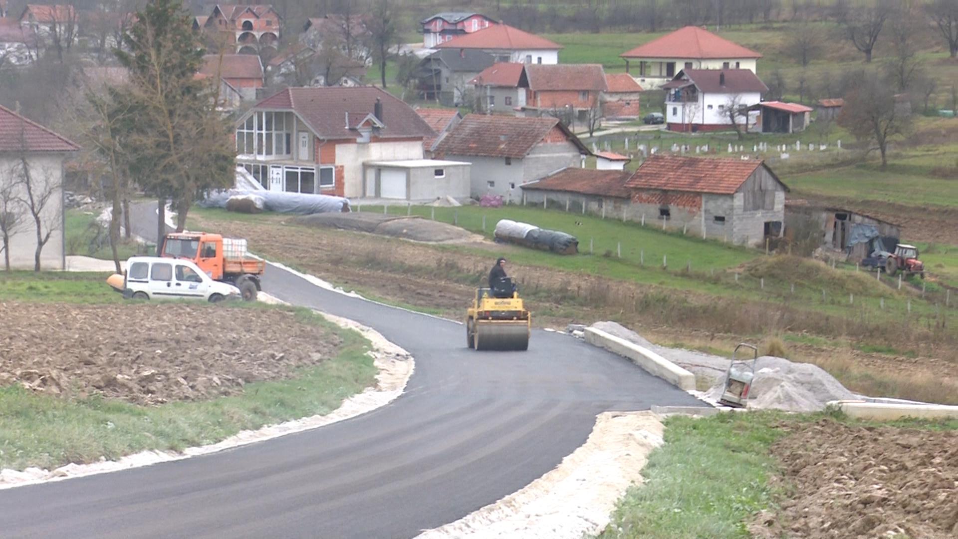 Zaseok Ćehići dobio 1500 metara novog asfalta