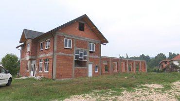 Vrhpolje dom 1